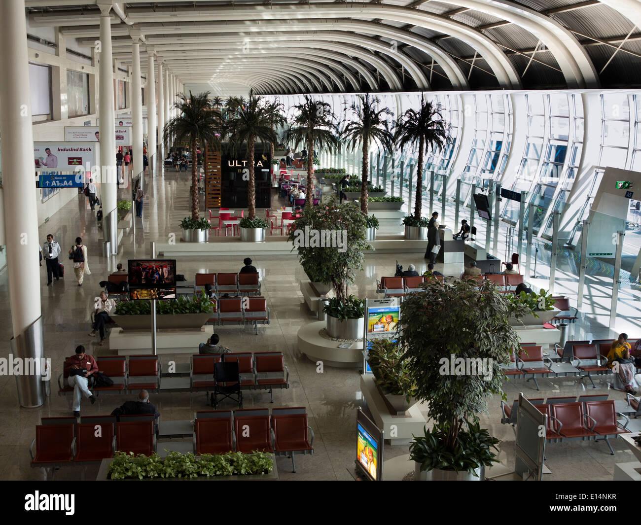 India Mumbai Santa Cruz Domestic Airport Passengers In