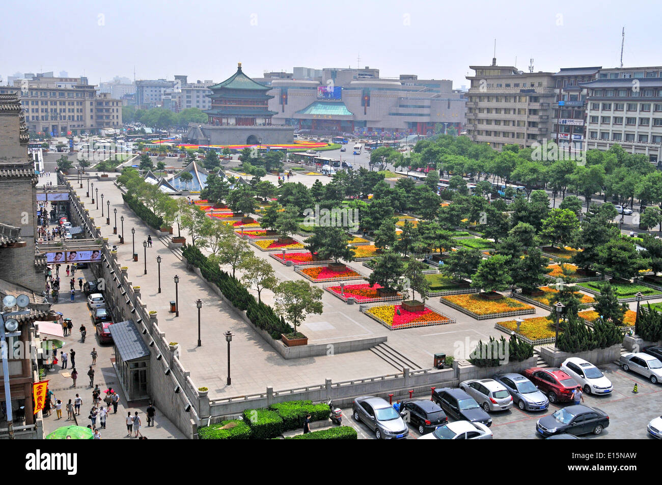Cities of the world - Alphabetic  - Page 25 Aerial-view-on-central-plaza-xian-china-E15NAW
