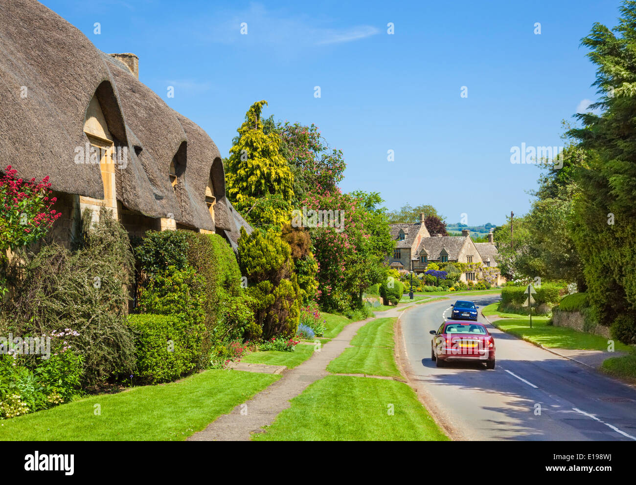 Thatched Cottage In Chipping Campden Cotswolds Village The