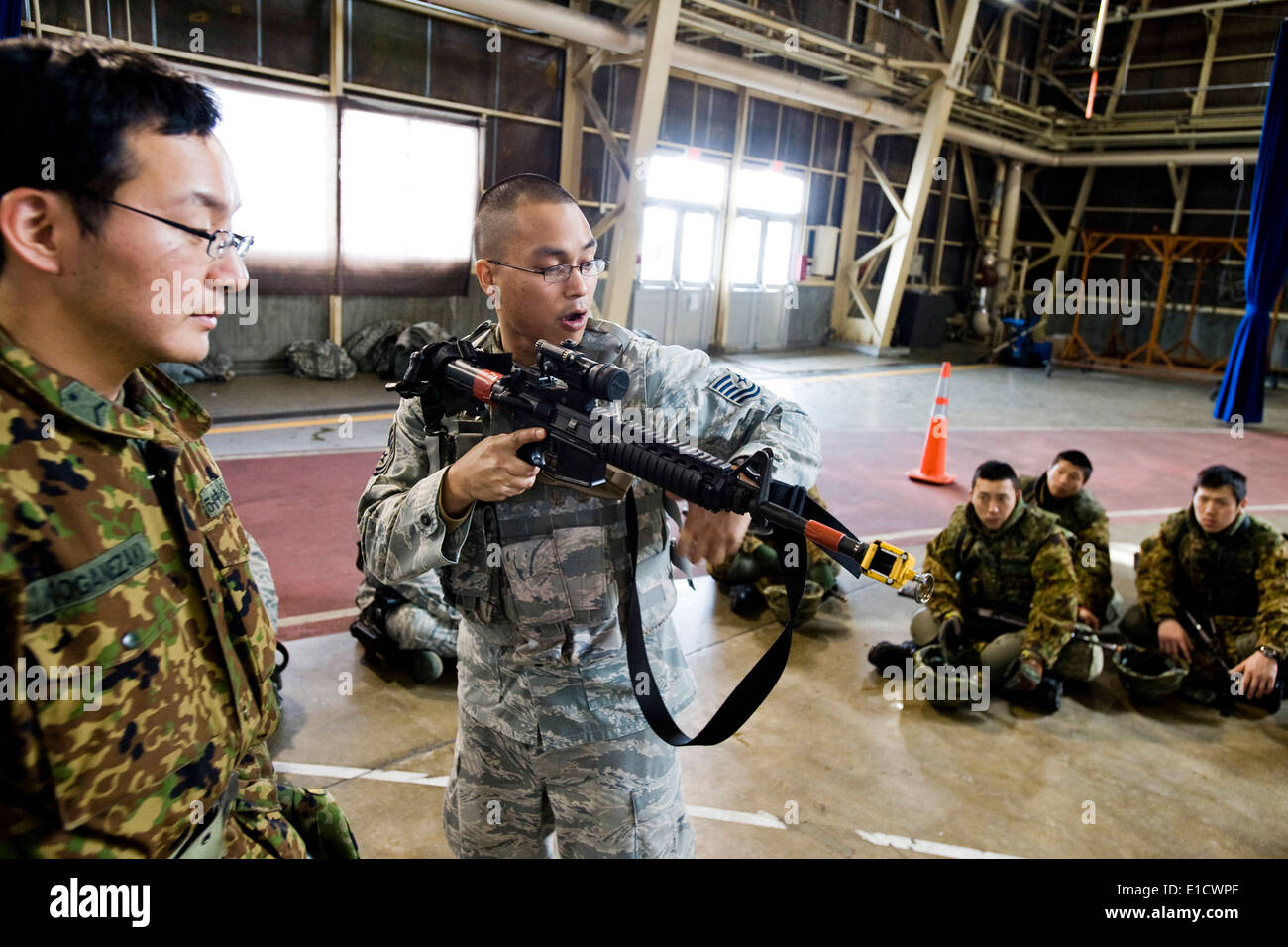 u s air force tech sgt stock photos u s air force tech sgt stock u s air force tech sgt ronnie aldana a unit trainer assigned to the