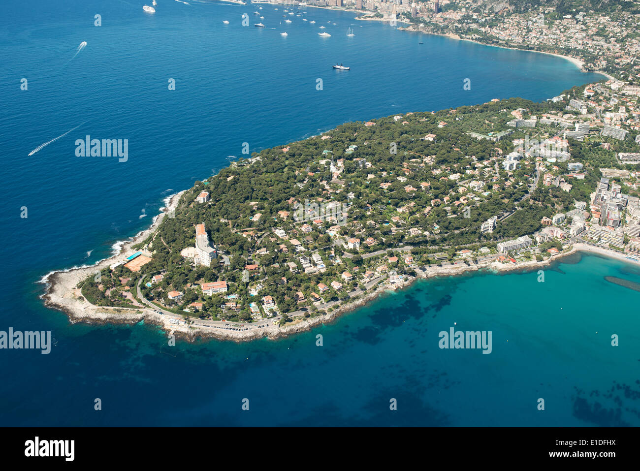 Roquebrune cap martin aerial view peninsula on the for Azureva roquebrune cap martin piscine