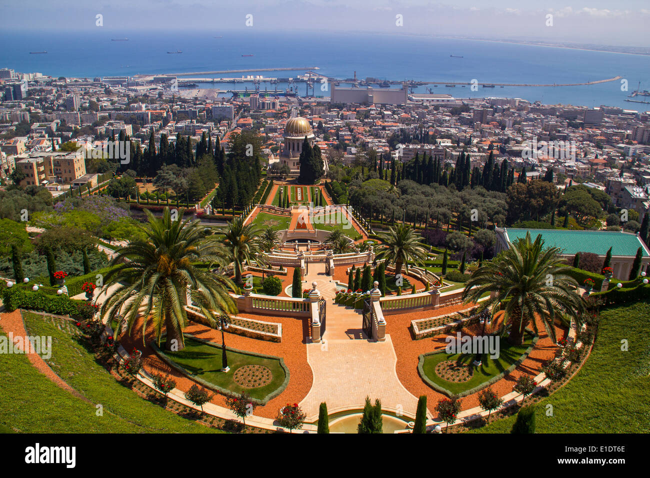 bahai gardens and temple in haifa the tomb of the bab