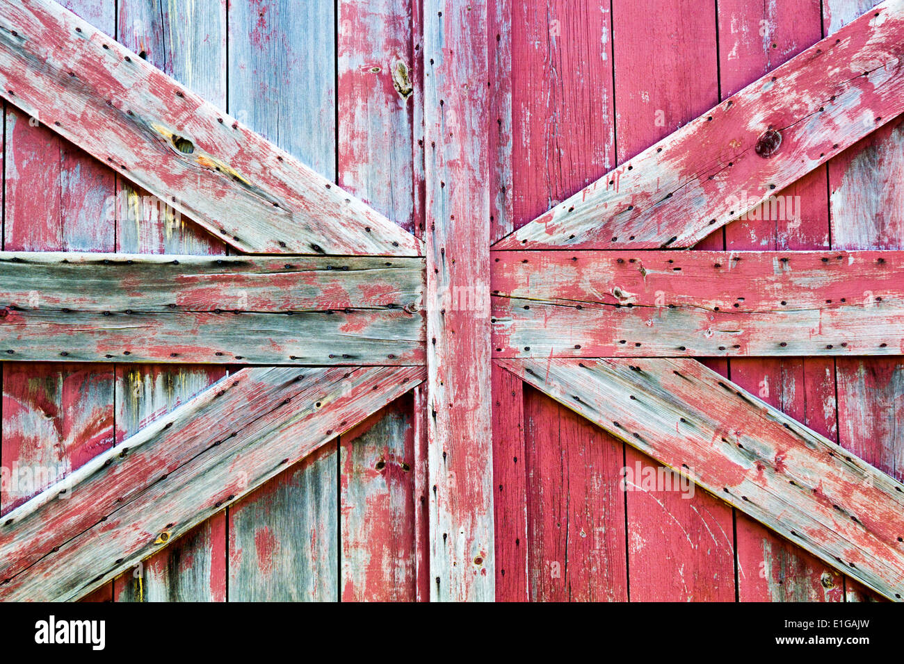 close-up-of-barn-door-with-worn-wood-and