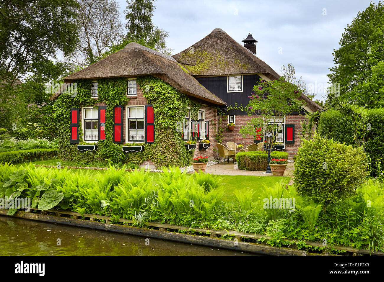 Giethoorn village holland netherlands stock photo for Houses images pictures