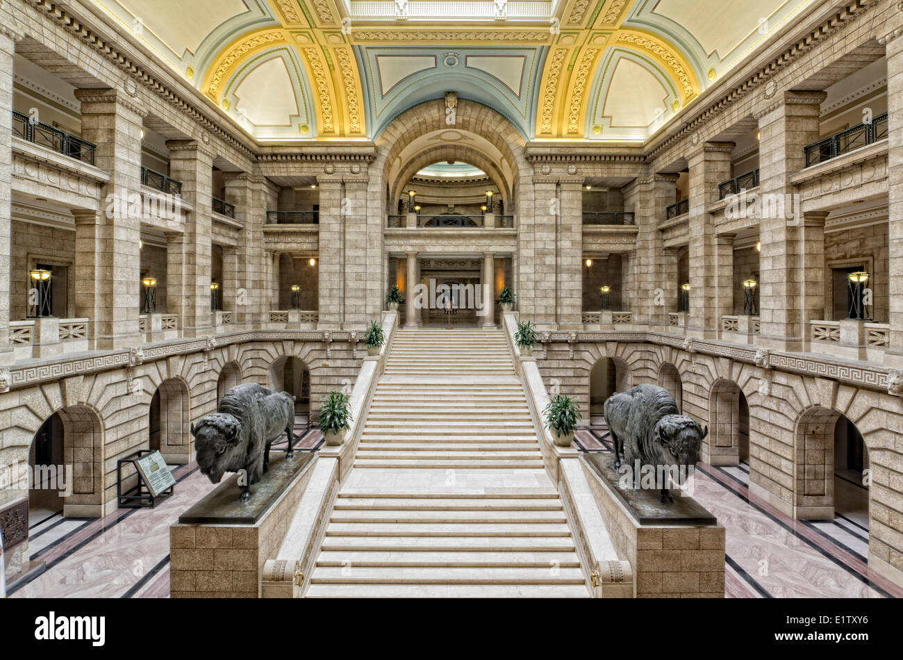 Interior of legislative building winnipeg manitoba for Interior decor winnipeg