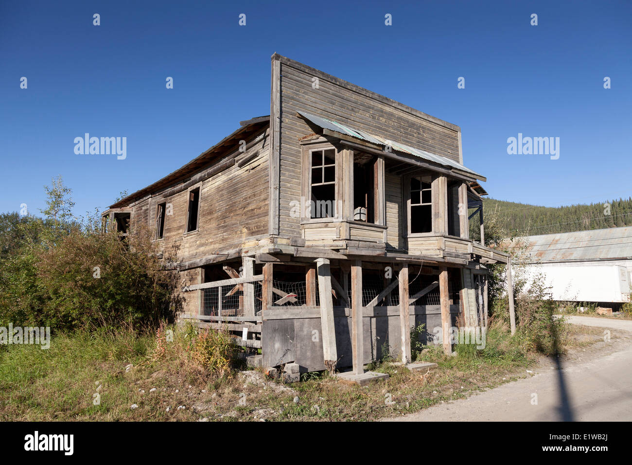 Strait 39 s auction house an old false front building on the for Homes built on your land with no money down