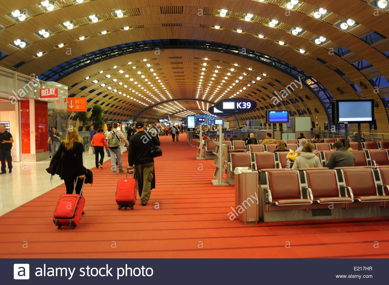 paris airport departures related keywords paris airport. Black Bedroom Furniture Sets. Home Design Ideas