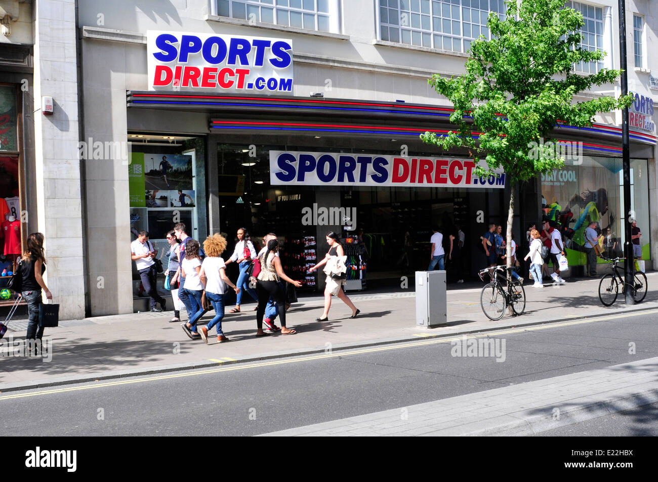 the new sports direct shop on oxford street london uk stock photo royalty free image. Black Bedroom Furniture Sets. Home Design Ideas