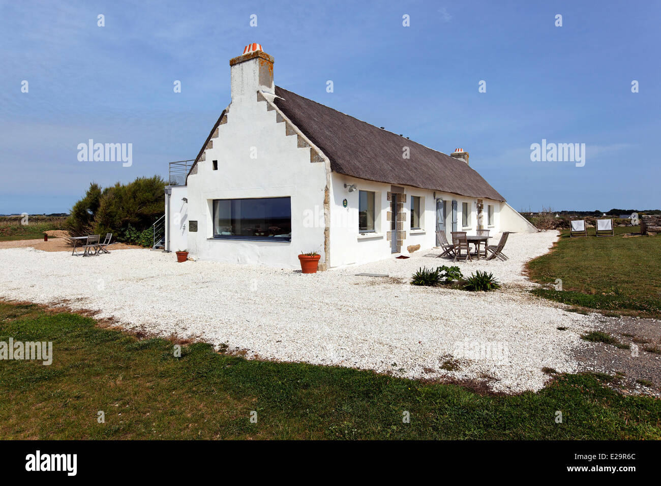 France Finistere Plovan Holiday Cottage Bleu Sale Long House In Front Of The Sea Outside View