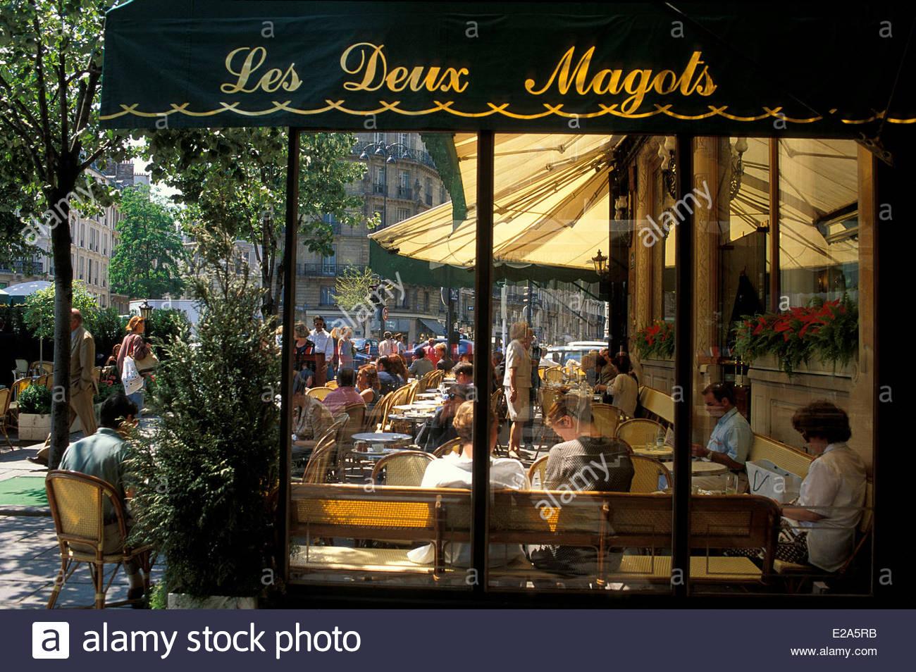 Risultati immagini per CAFFE' PARIS LES DEUX MAGOTS