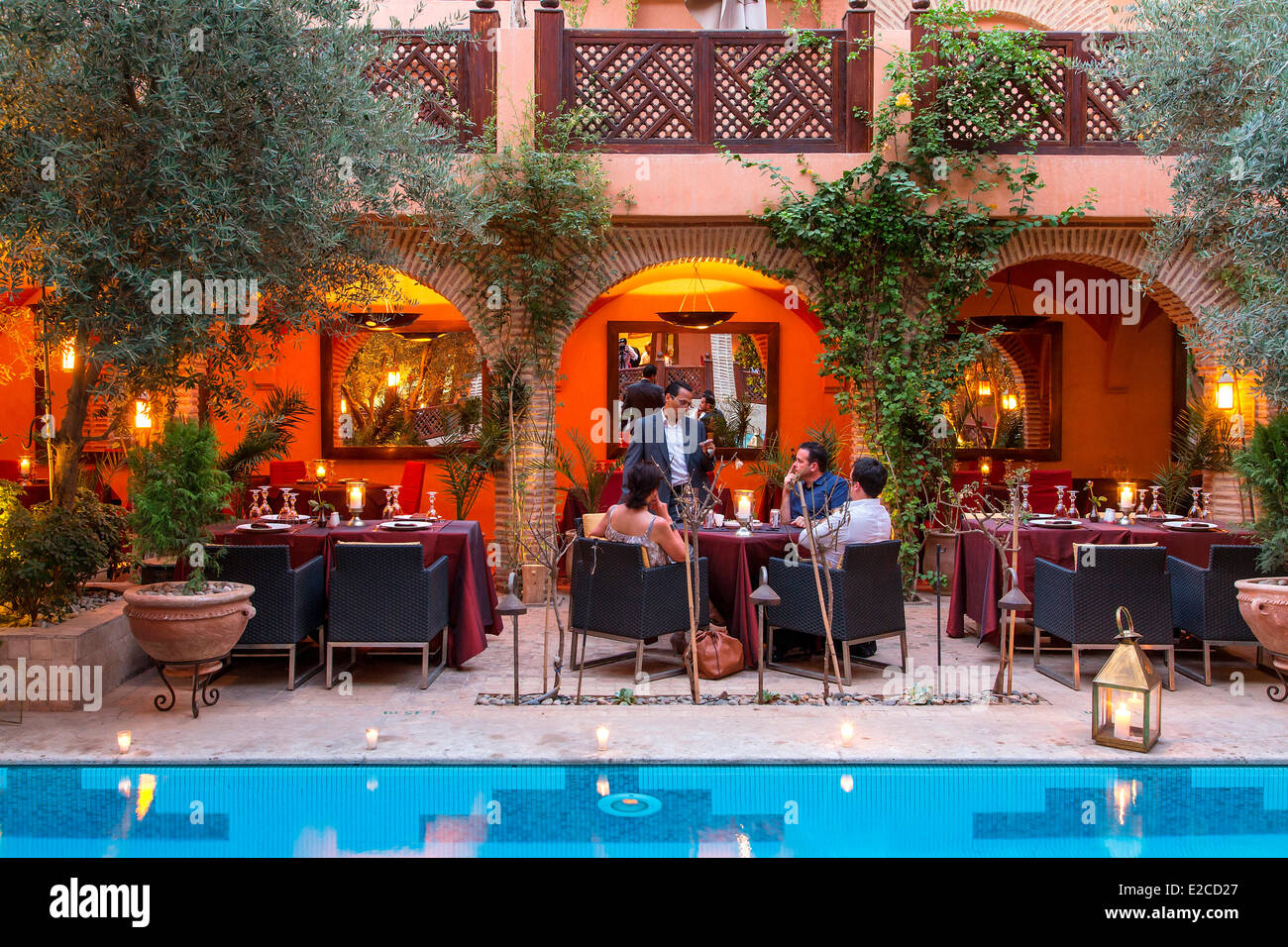 Morocco high atlas marrakesh imperial city restaurant la for A la maison en arabe