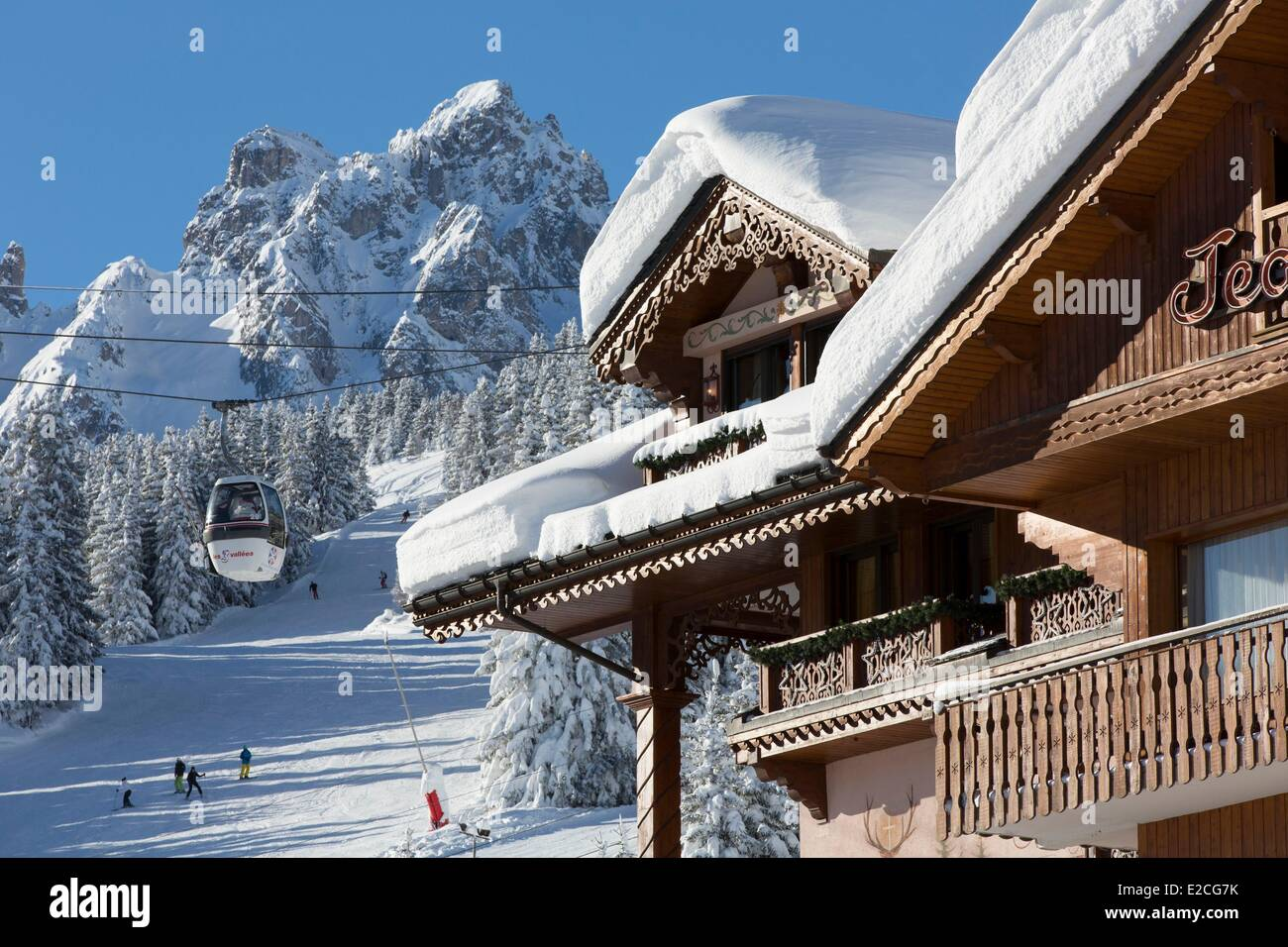 Courchevel 1850 Three Valleys France Ski Resort With View Over