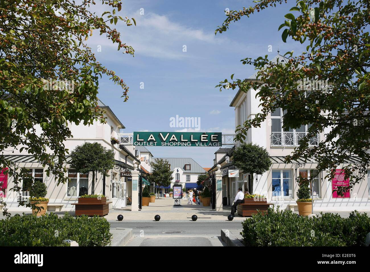 France seine et marne serris val d 39 europe la vallee outlet - Val d europe village horaire ...