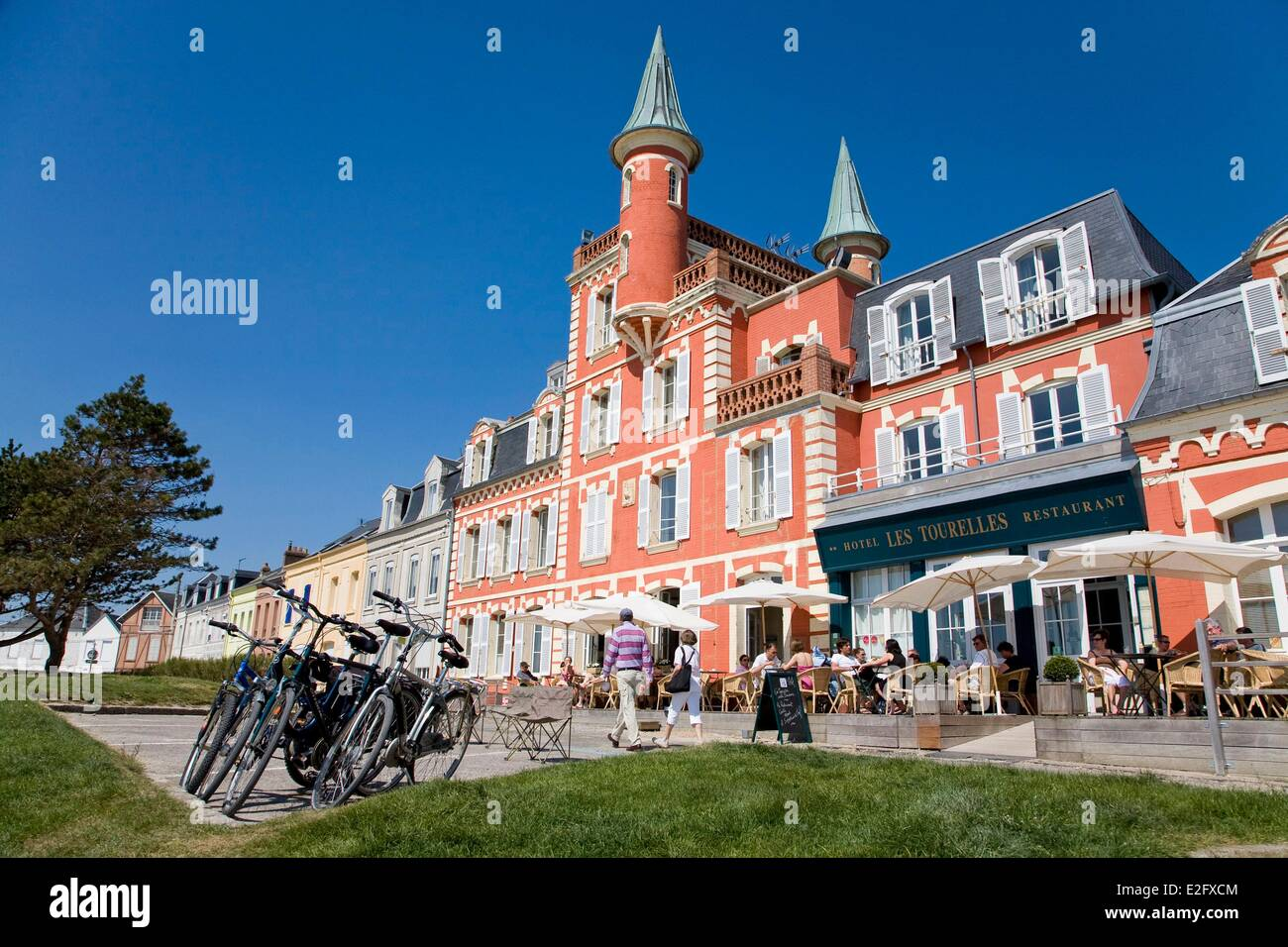 france somme baie de somme le crotoy les tourelles hotel in the stock photo royalty free image. Black Bedroom Furniture Sets. Home Design Ideas