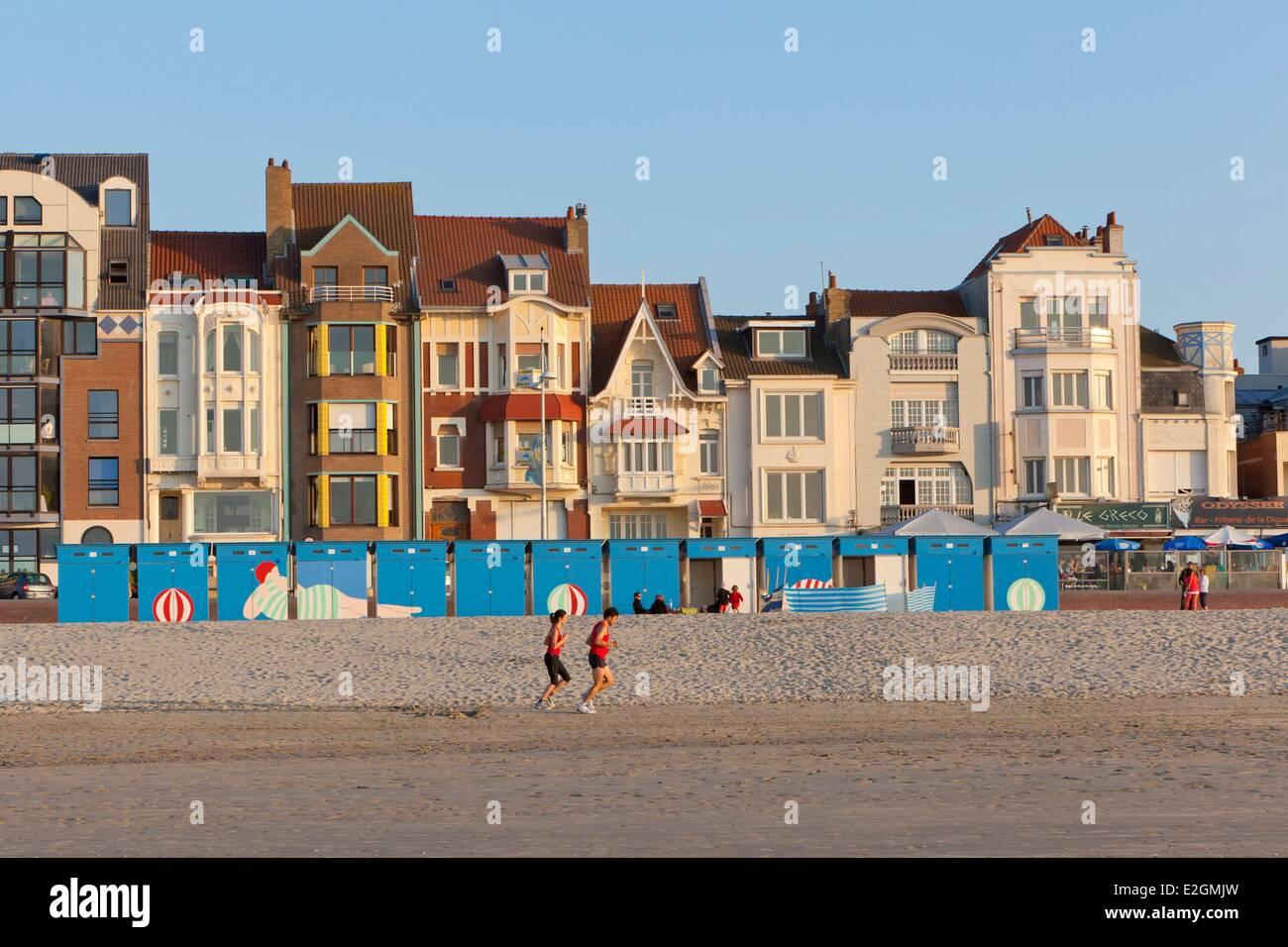 France nord cote d 39 opale dunkirk malo les bains beach huts - Piscine de malo les bains ...