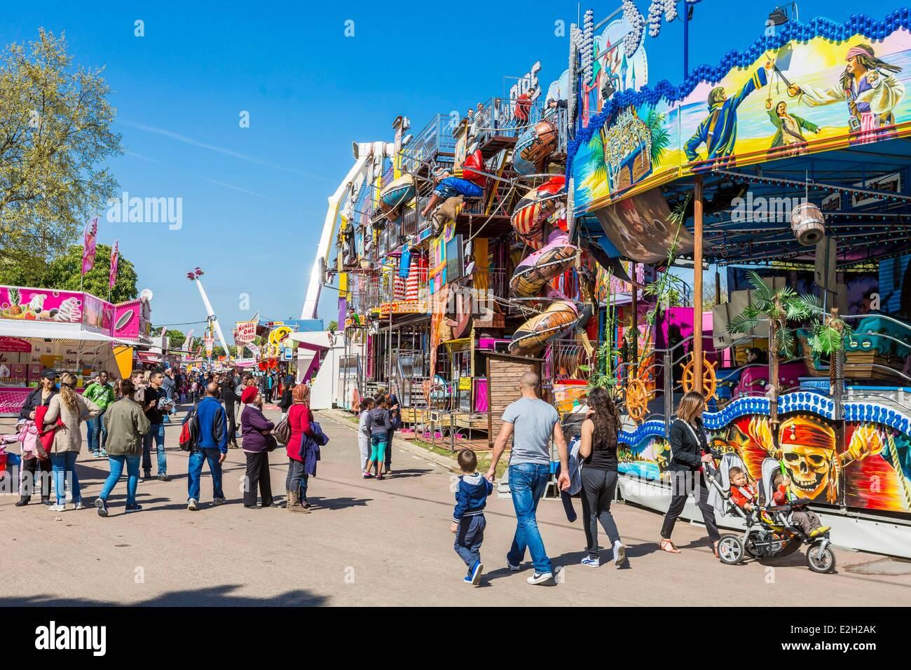 France paris foire du trone amusement park in spring in for Amusement parks in paris