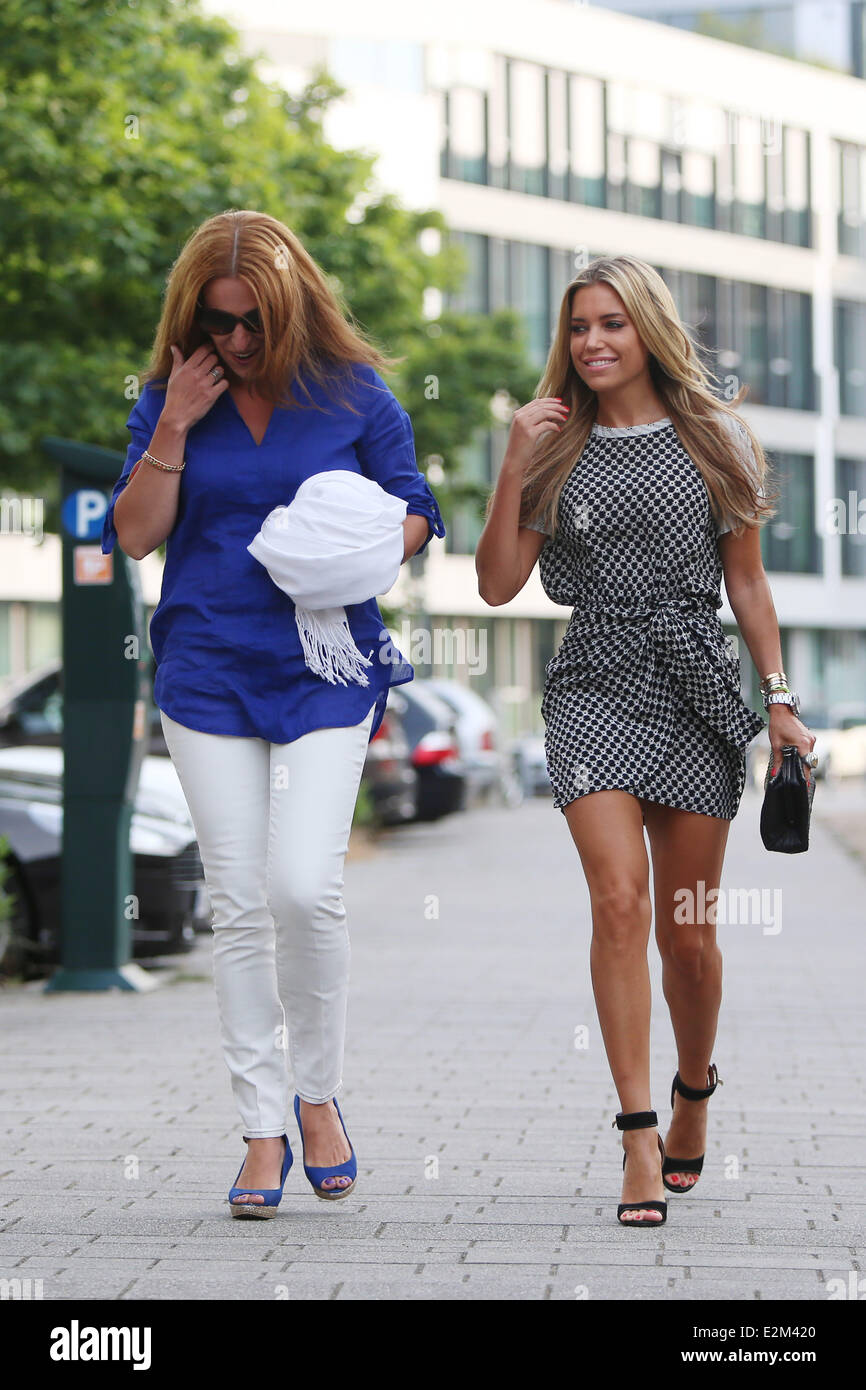 sylvie van der vaart and friend betty moghaddam on their way to mars stock photo royalty free. Black Bedroom Furniture Sets. Home Design Ideas