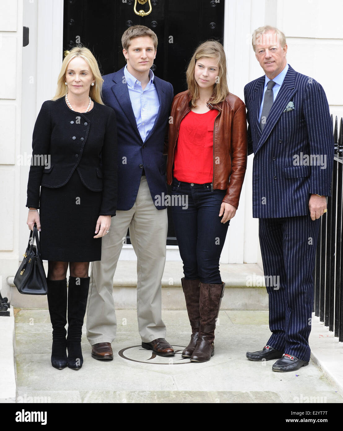 sir mark thatcher with his wife sarahjane and children