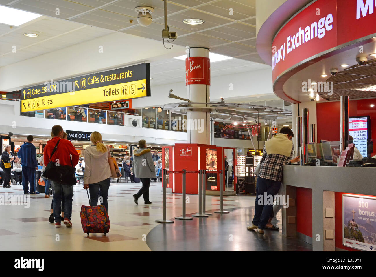 London gatwick airport north terminal departure lounge and shopping stock photo 70752076 alamy - Bureau de change crawley ...