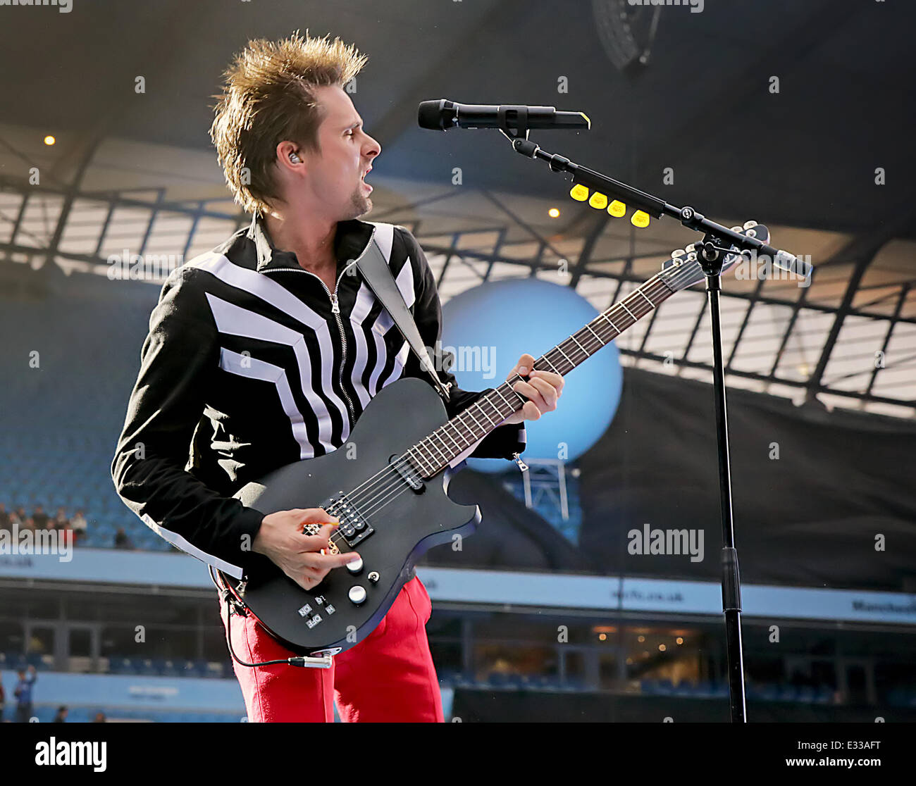 Muse performs live on their the 2nd law world tour at etihad stock muse performs live on their the 2nd law world tour at etihad stadium featuring matt bellamymuse where manchester england united kingdom when 01 jun voltagebd Image collections