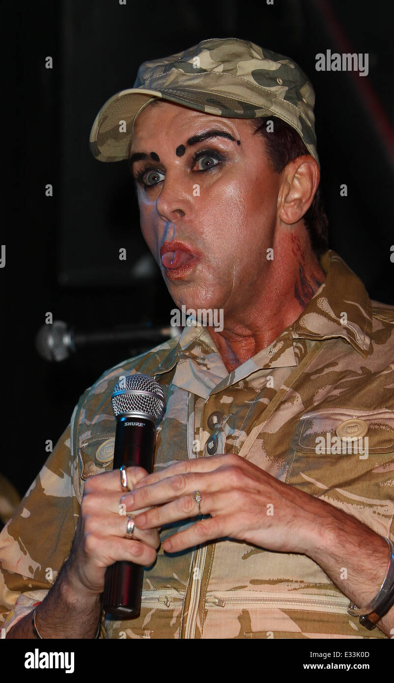 steve strange and visage showcase their new album hearts and album hearts and knives with a live performance at the hoxton bar and kitchen featuring steve strange where london united kingdom when 06 jun 2013