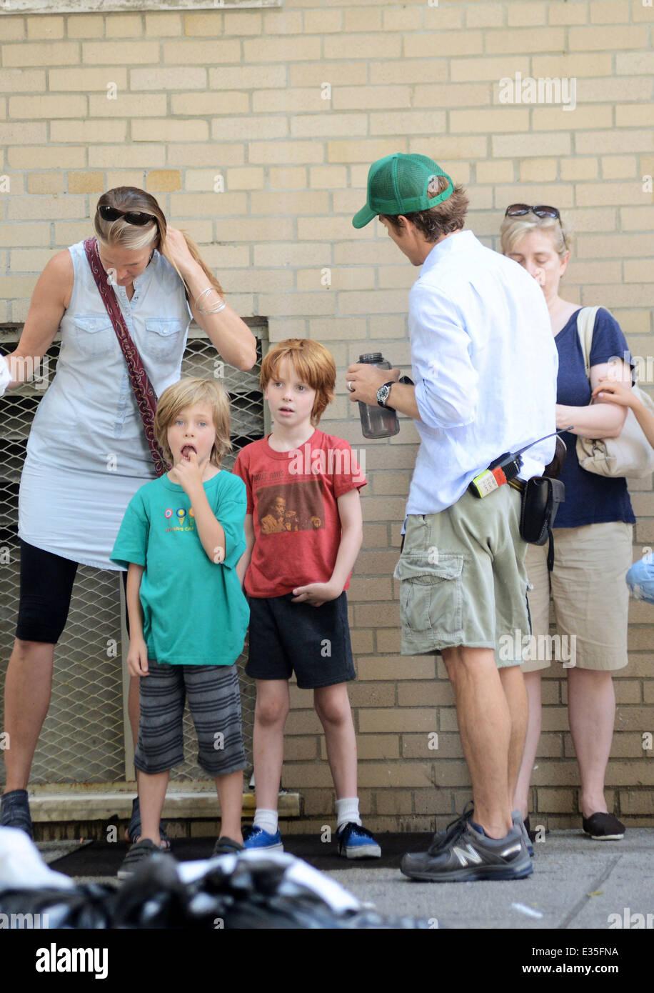 Danny Moder, husband to Julia Roberts, brings their three children ...