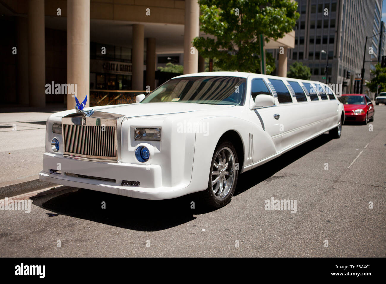 Rolls Royce Stretch Limousine Usa Stock Photo Royalty