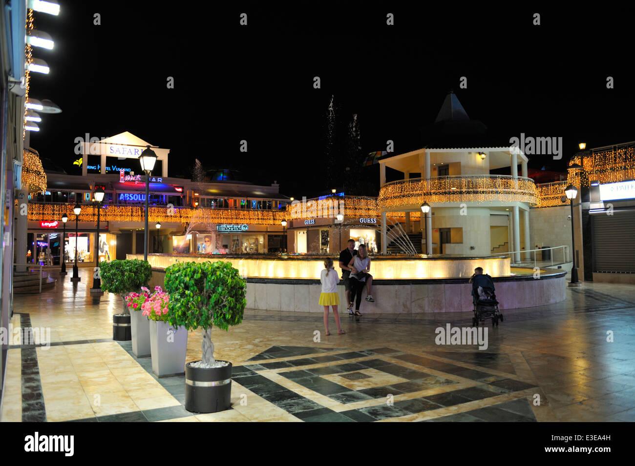 Centro comercial square and shopping centre arona playa - Centro comercial moda shoping ...