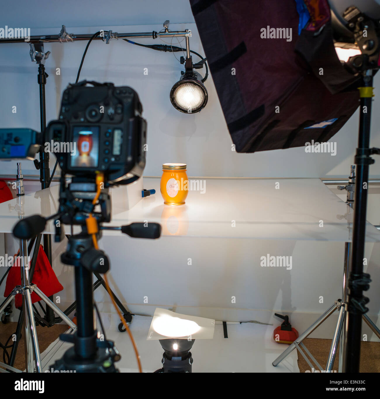 Commercial photography set including lighting background and grip commercial photography set including lighting background and grip gear aloadofball Images