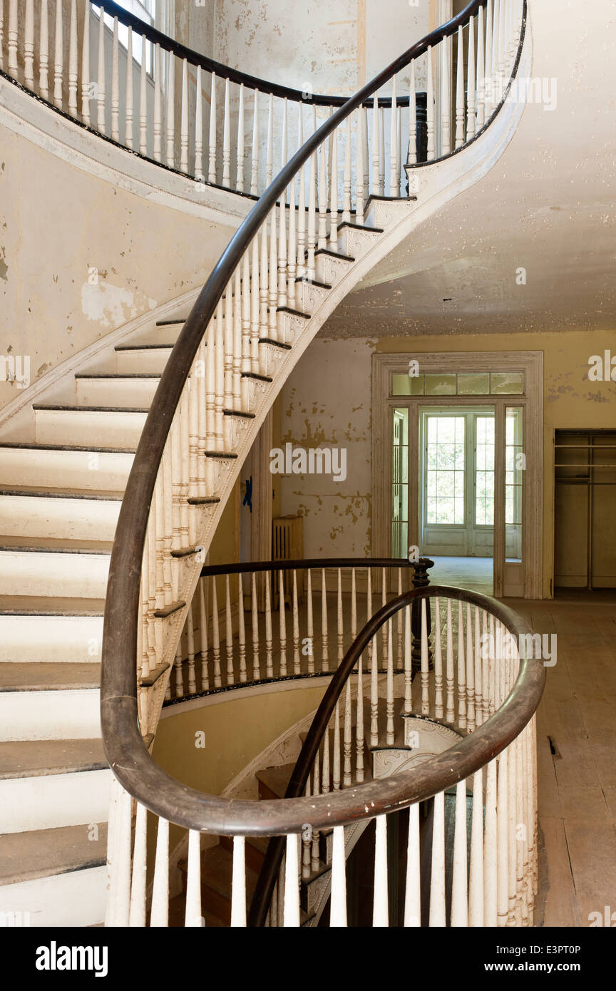 First Floor Landing With Elliptical Staircase Of Empty