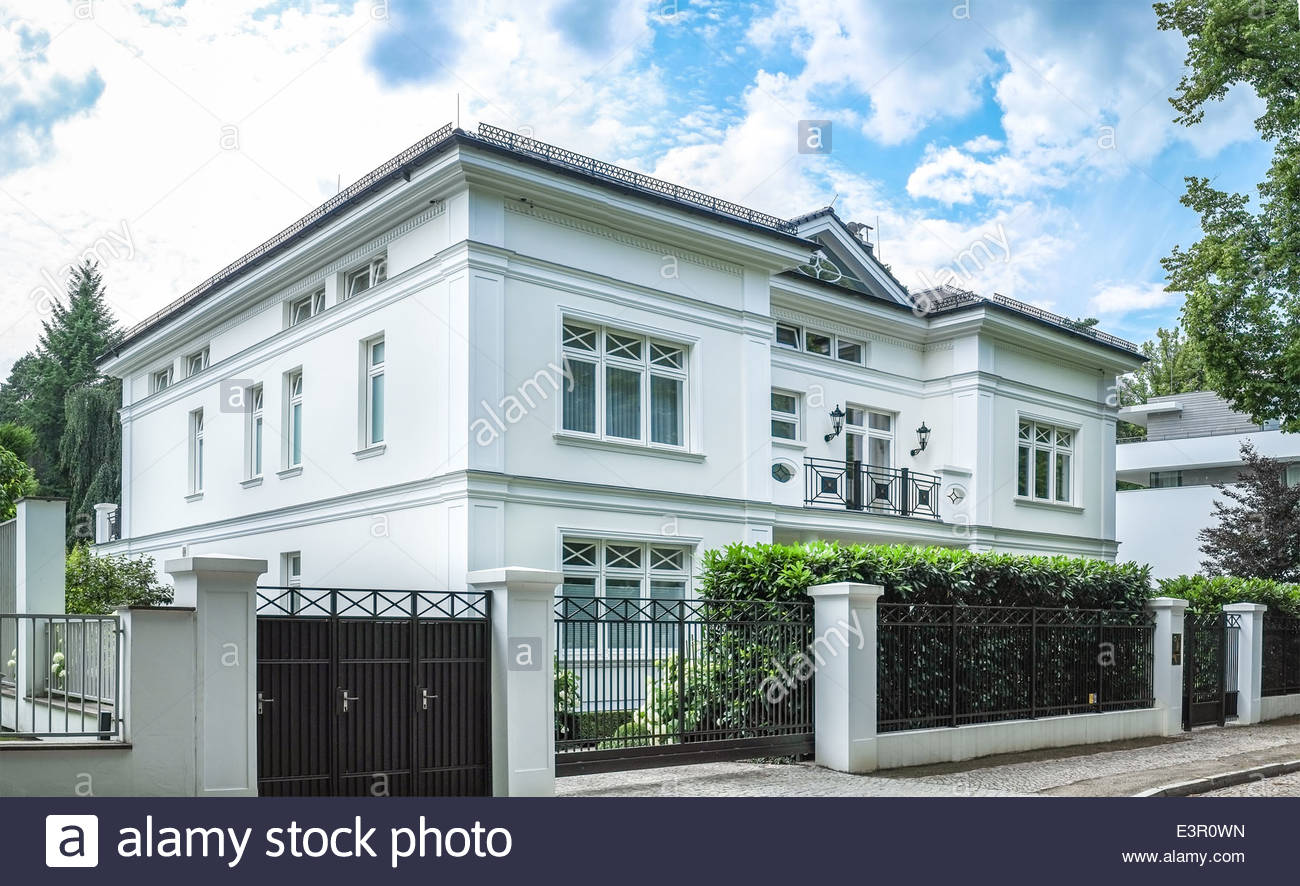 luxury house in berlin grunewald stock photo royalty free image 71191057 alamy. Black Bedroom Furniture Sets. Home Design Ideas