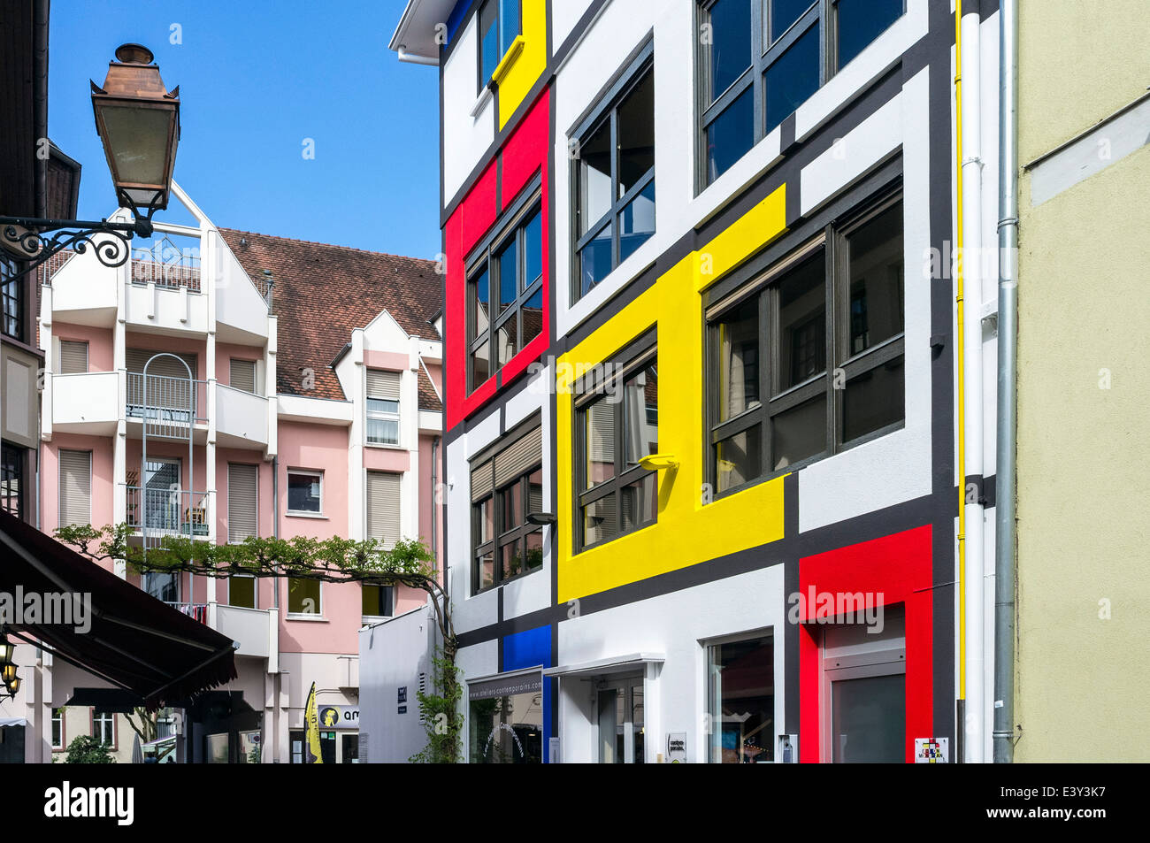 maison mondrian bed and breakfast house mulhouse alsace france stock photo 71281035 alamy. Black Bedroom Furniture Sets. Home Design Ideas