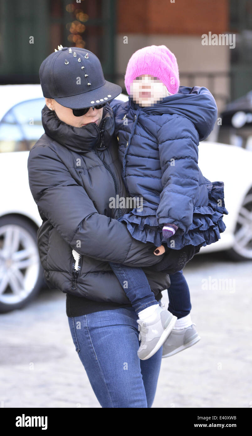 Pink and carey hart out in soho with willow featuring pinkcarey pink and carey hart out in soho with willow featuring pinkcarey hartwillowalecia beth moore where manhattan new york united states when 12 dec 2013 voltagebd Image collections