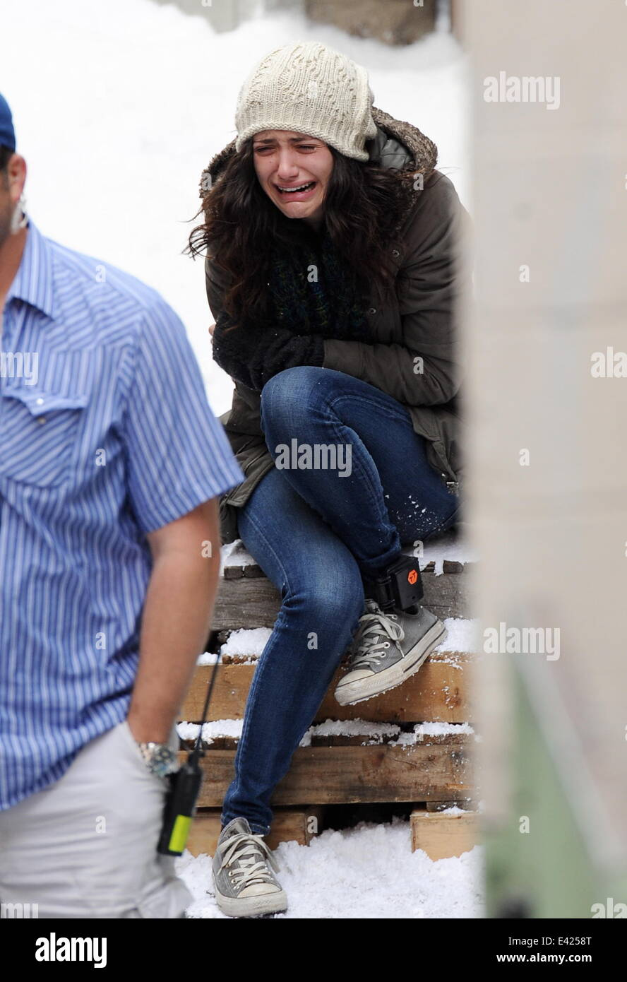 actress emmy rossum crying on the set of quotshamelessquot as
