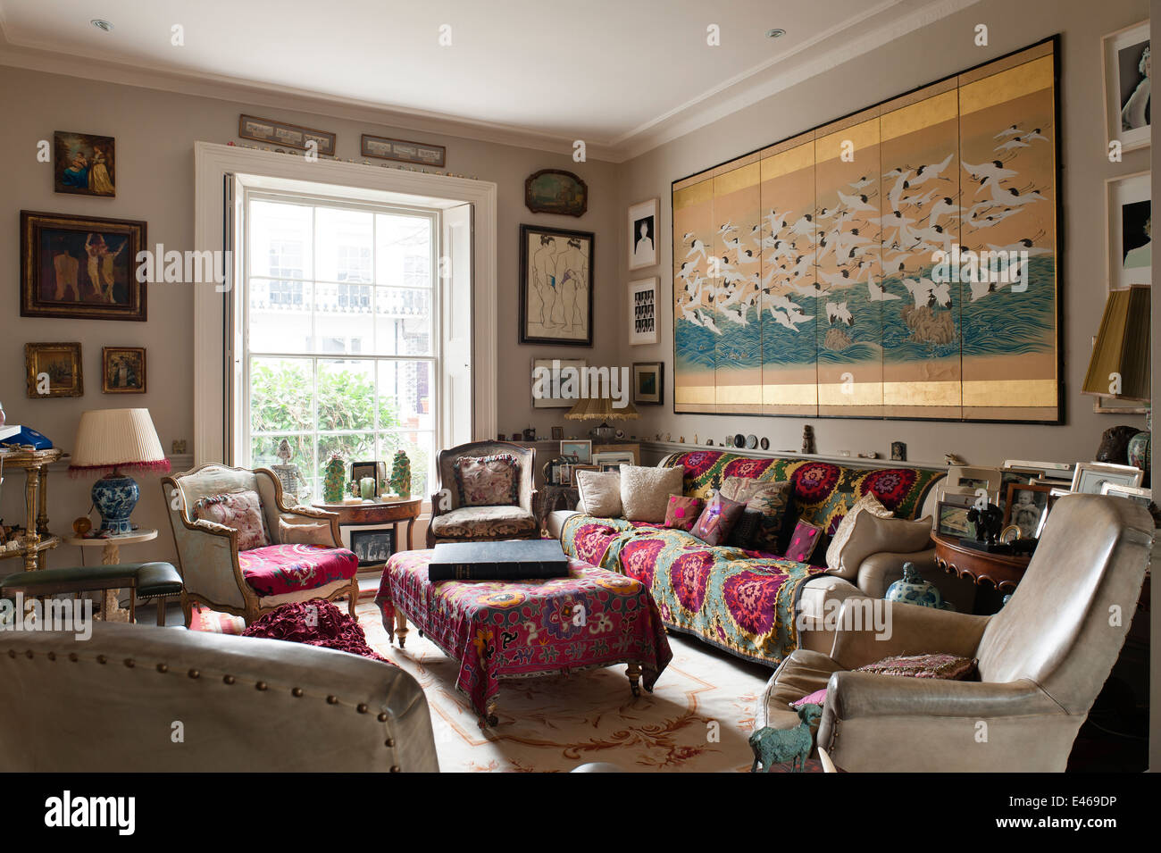 Good London Home Shabby Chic Living Room With Velvet Armchairs And With  Shabby Chic Livingroom Part 40