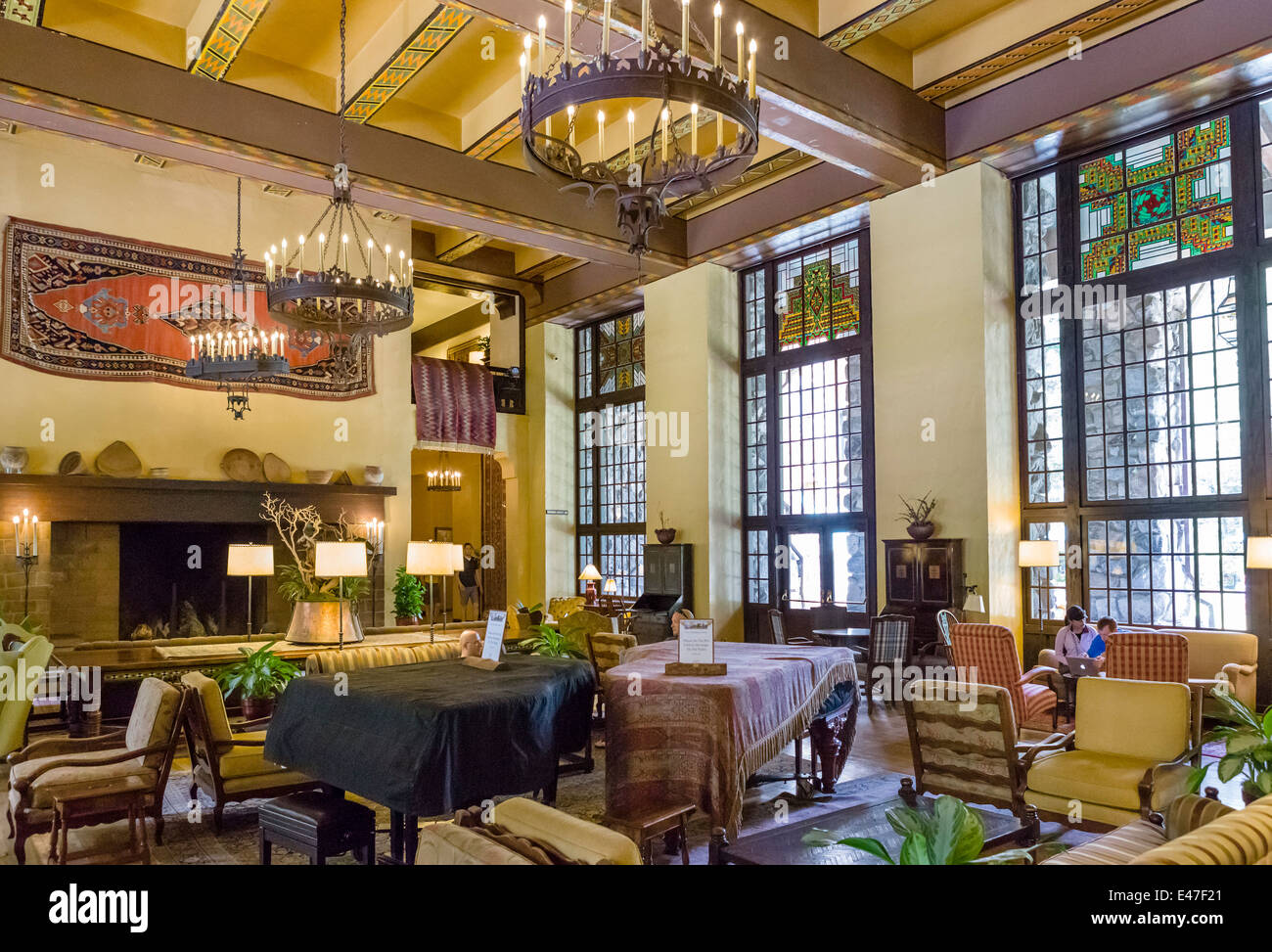 Lounge of the ahwahnee hotel yosemite valley yosemite - Hotel lodge sierra nevada ...