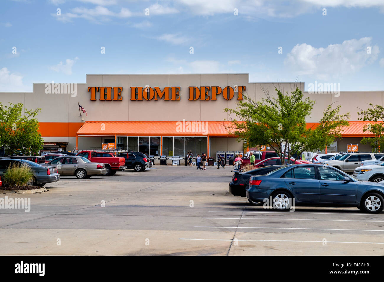 the front entry exterior of the home depot a chain building supply store in oklahoma city oklahoma usa - Home Depot Exterior
