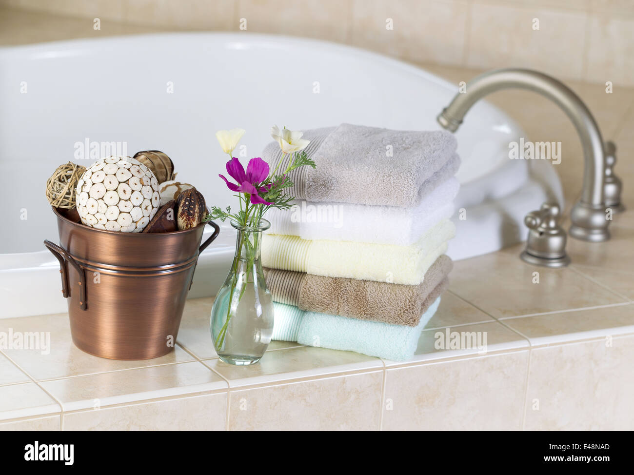Relaxing soaking tub and spa accessories Stock Photo: 71492469 - Alamy