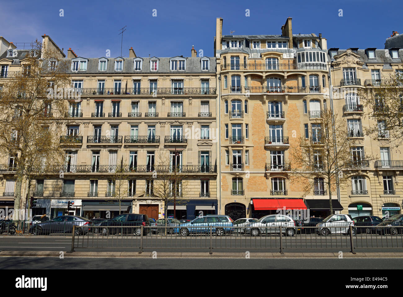 Avenue charles de gaulle neuilly sur seine paris france stock photo royal - Station autolib neuilly sur seine ...