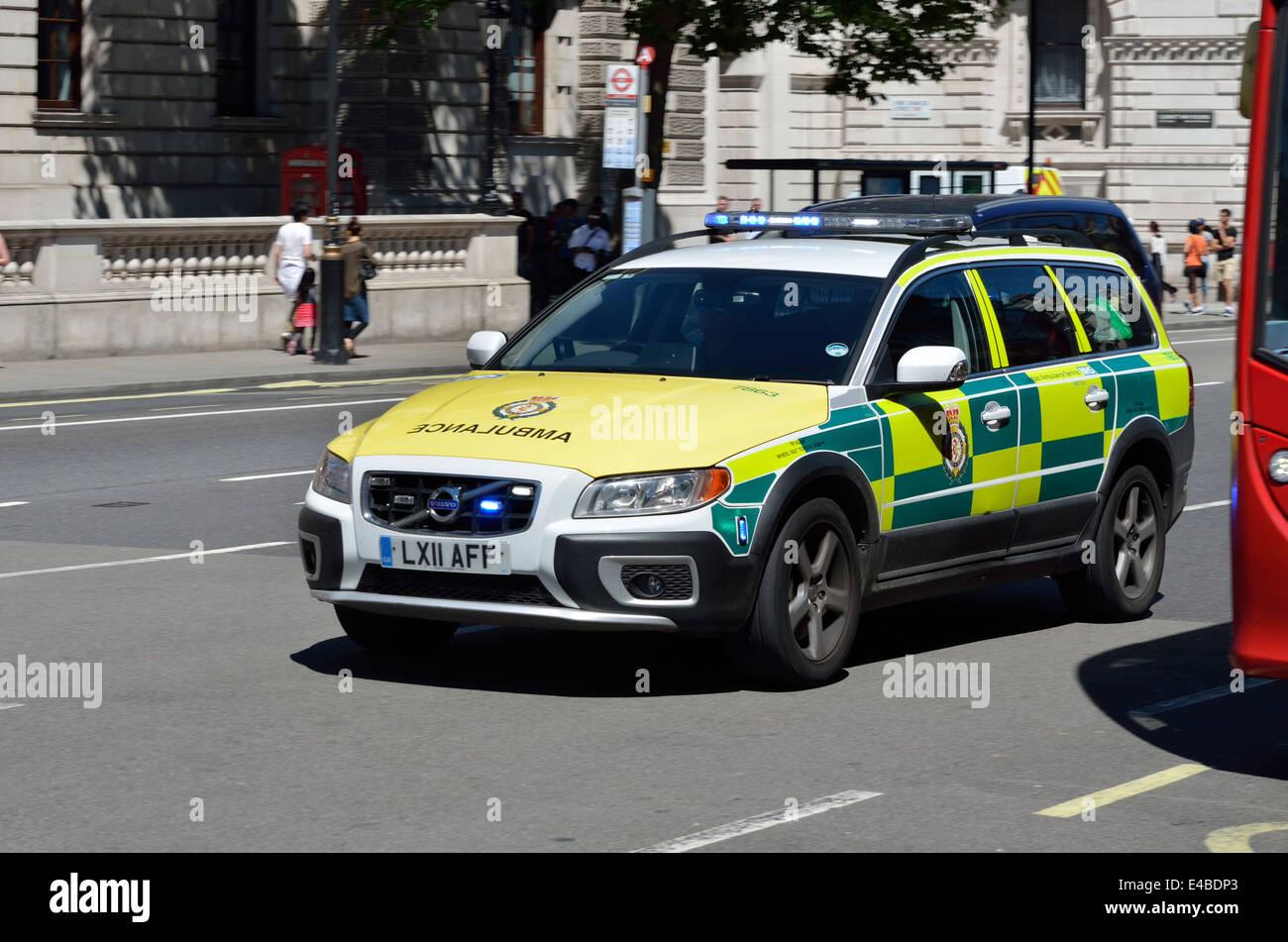 London ambulance volvo xc70 d5 rapid response car in