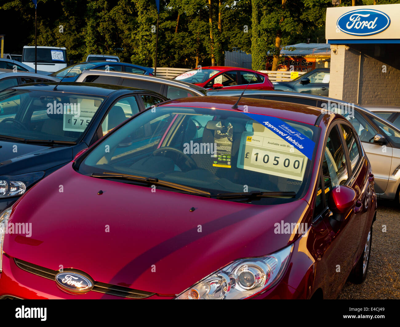 Stock Photo - Used cars for sale on a Ford dealers forecourt in Redhill Surrey England UK & Used cars for sale on a Ford dealers forecourt in Redhill Surrey ... markmcfarlin.com