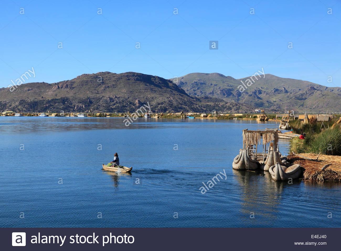 Canoe Uros Island Lago Titicaca Stock Photos & Canoe Uros Island ...