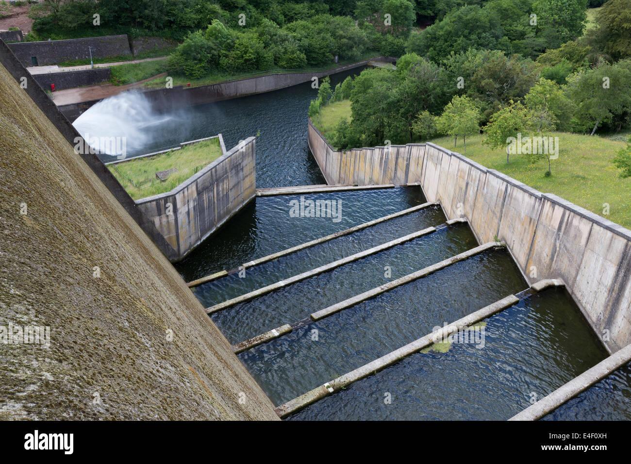 overflow spillway stock photos u0026 overflow spillway stock images