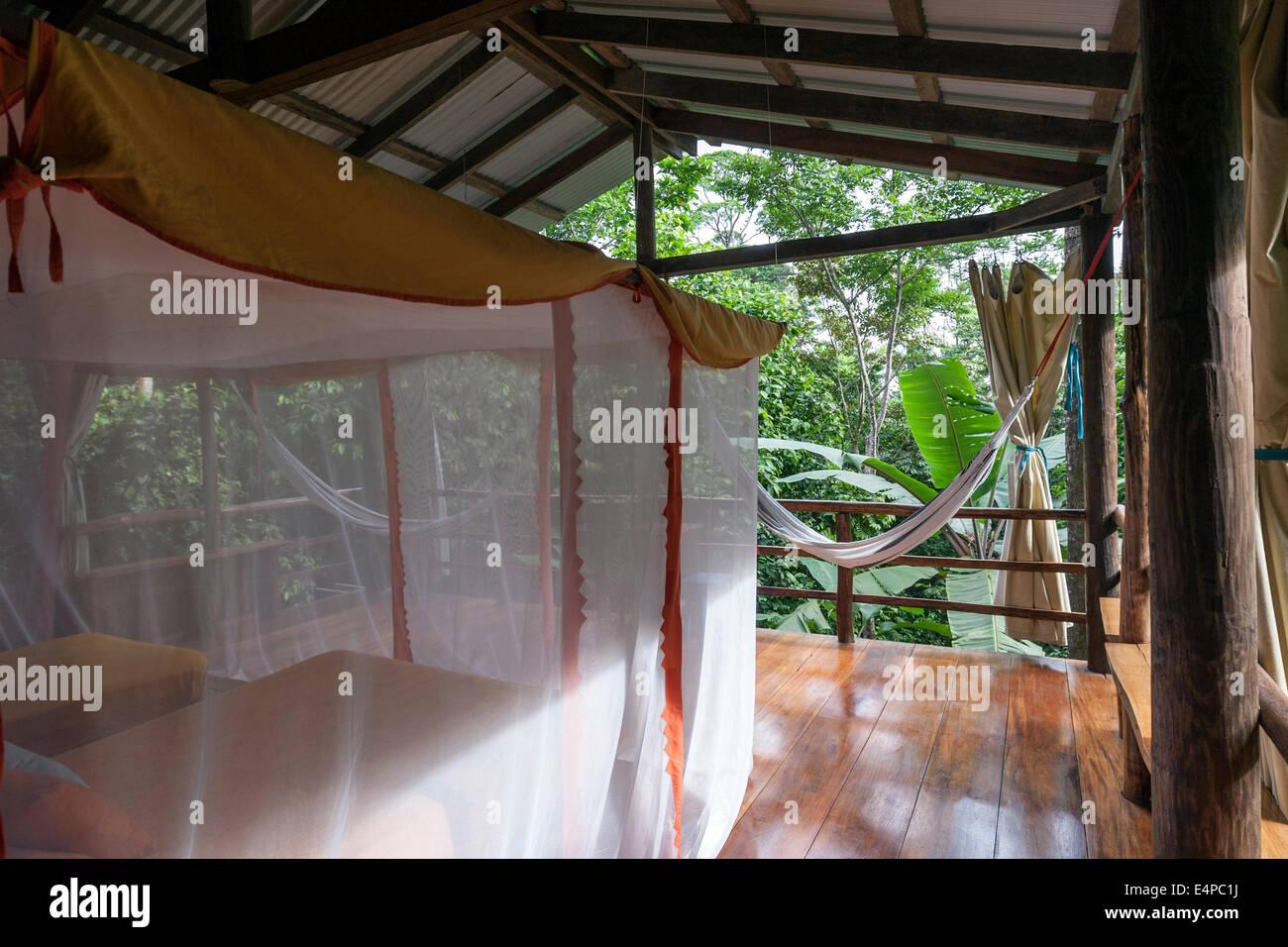 La Loma Jungle Lodge and Chocolate Farm. Isla Bastimentos B&B ...