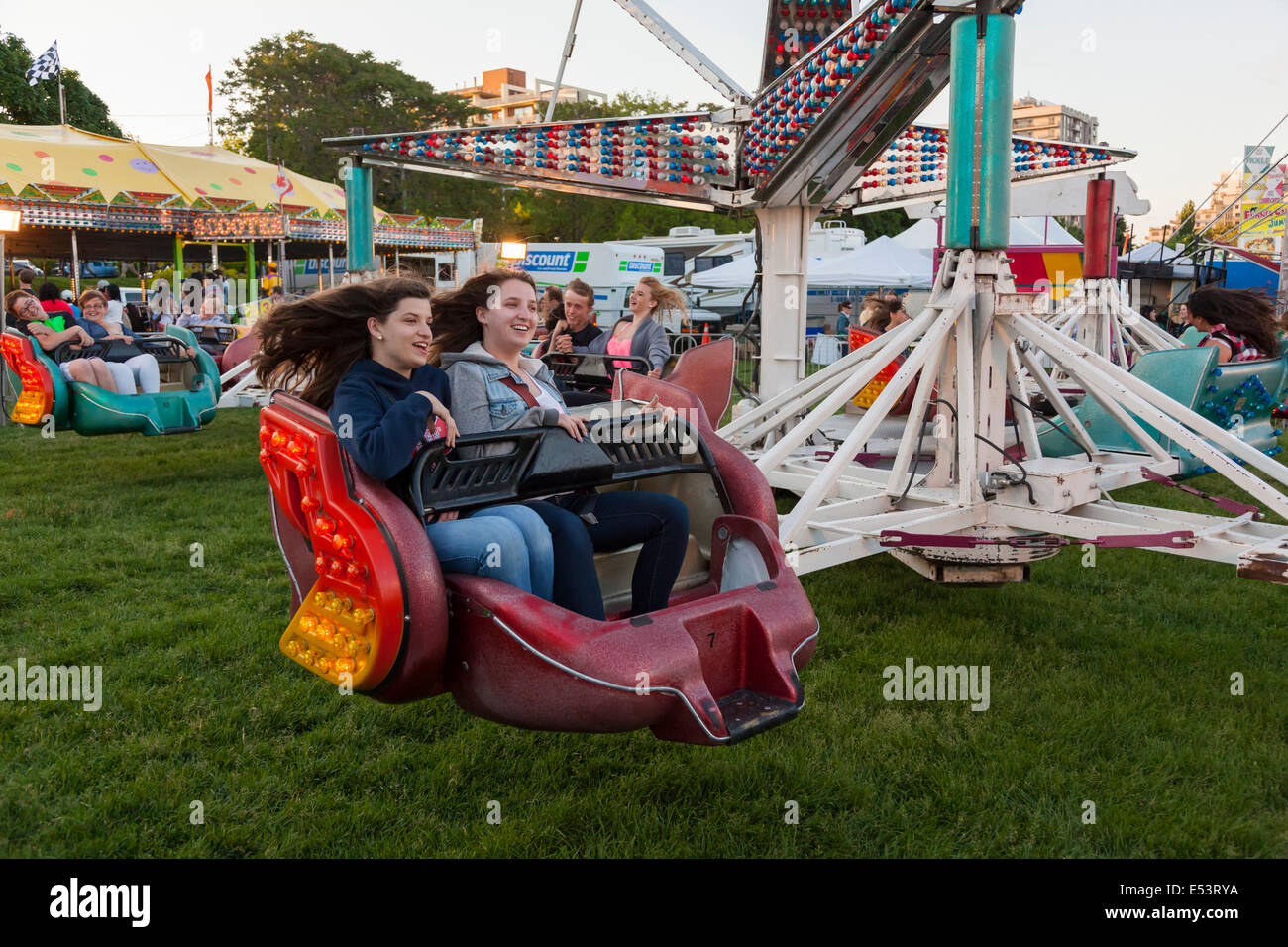 Vintage carnival ride www imgarcade com online image arcade - Filename People Enjoying The Sizzler Ride At The Sound Of Music Festival At E53rya Jpg