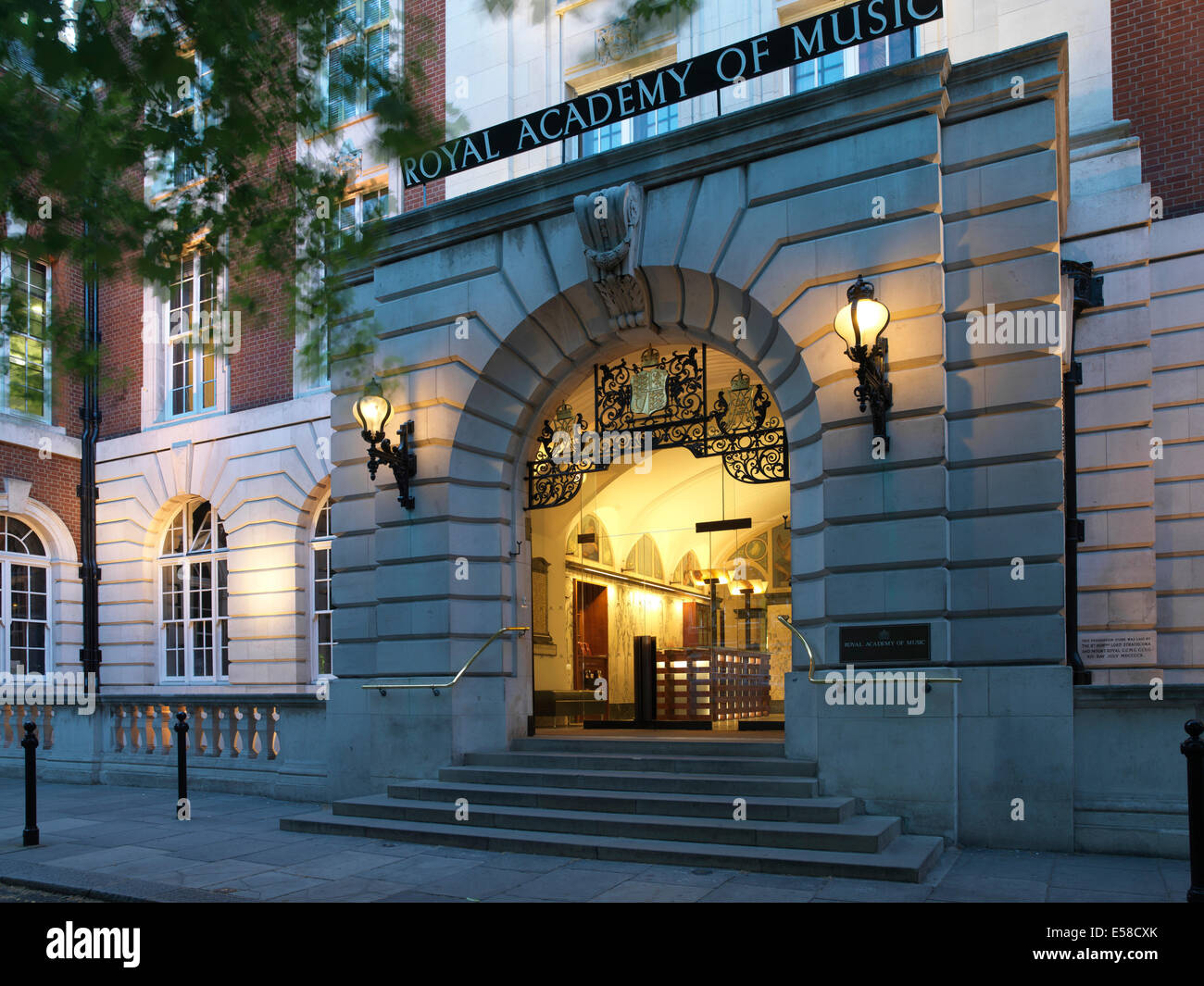 arched entrance and steps to the royal academy of music. Black Bedroom Furniture Sets. Home Design Ideas
