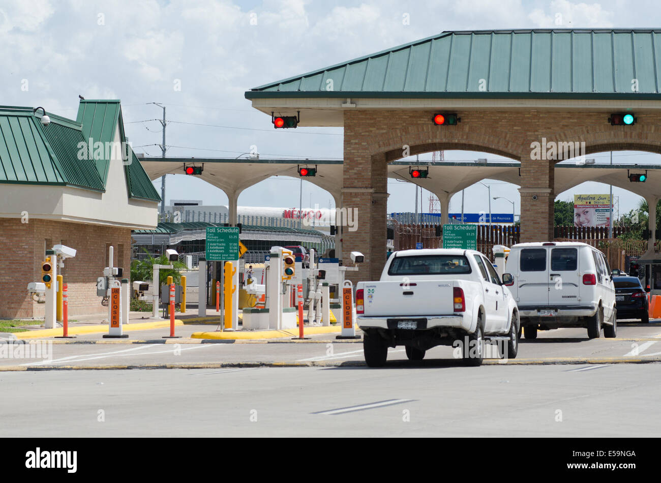 Mcallen texas usa 13th july 2014 mcallen hidalgo border crossing looking across to mexico from the mcallen hidalgo international bridge border