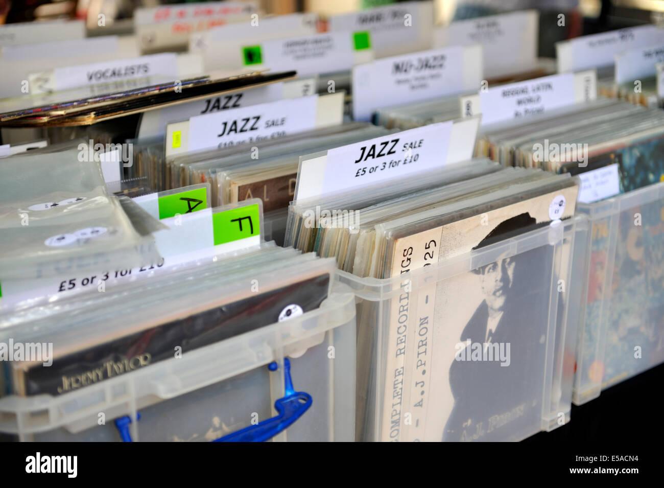 Stacks Vinyl 25