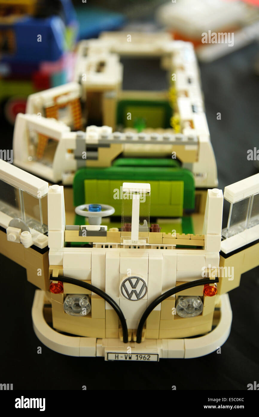 York uk 27 july 2014 lego model of a classic volkswagen for Modele maison lego classic