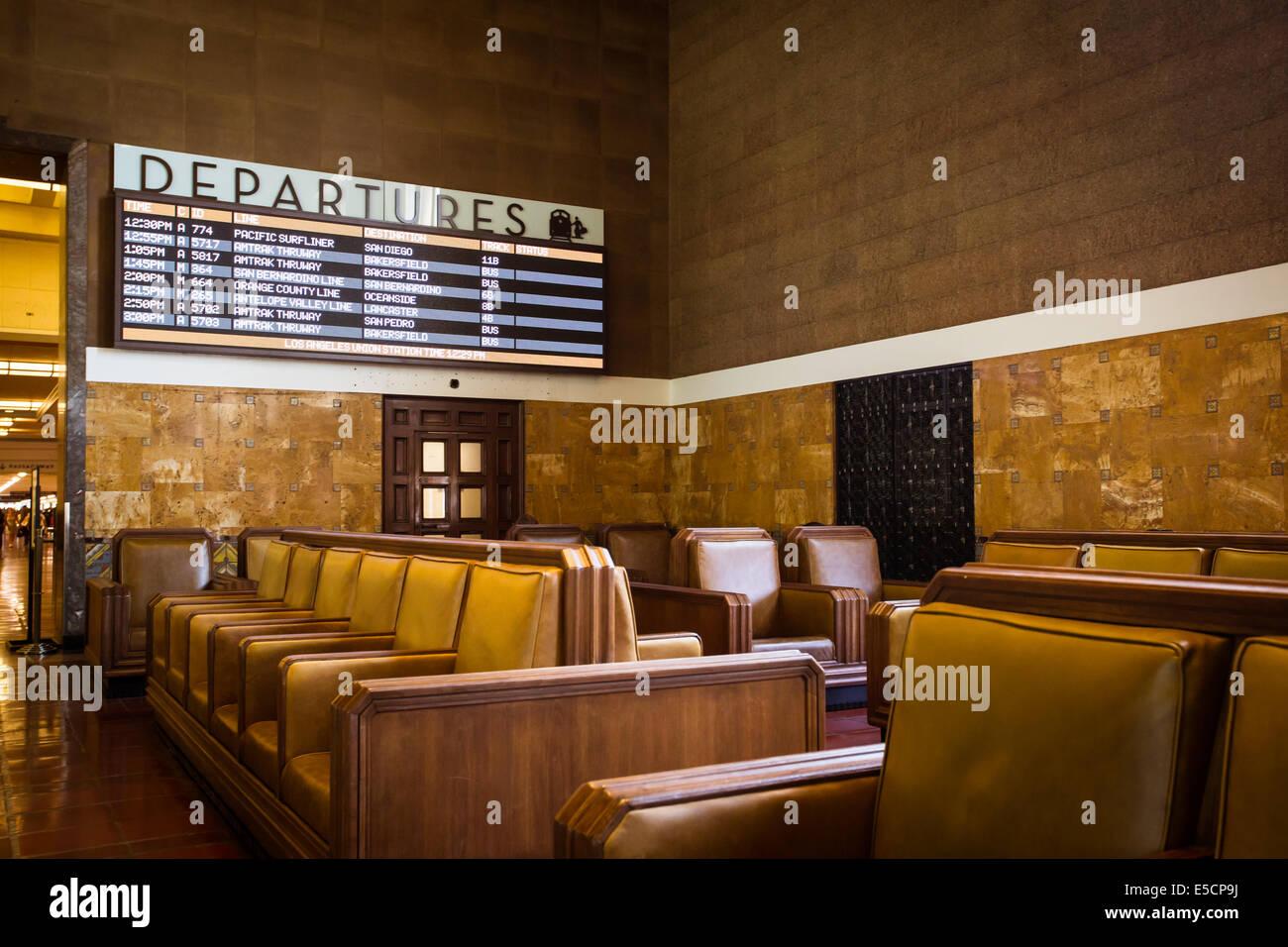 The restored art deco interior of union station in los for Art deco train interior